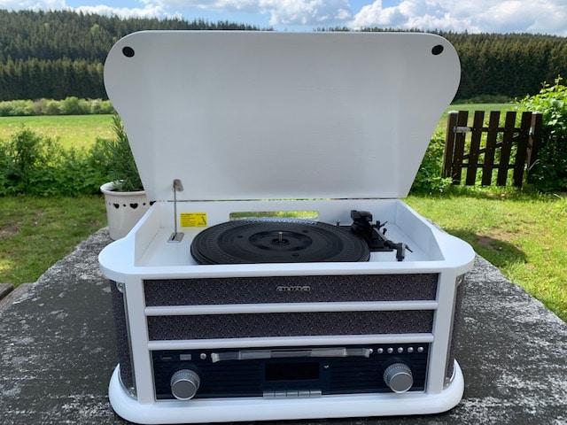 Schallplattenspieler in Kompaktanlage