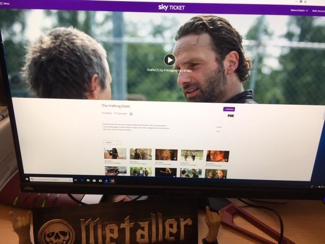 The Walking Dead Staffel 3 Episode 9 (Folge 28) - Kriegsrecht (The Suicide King )