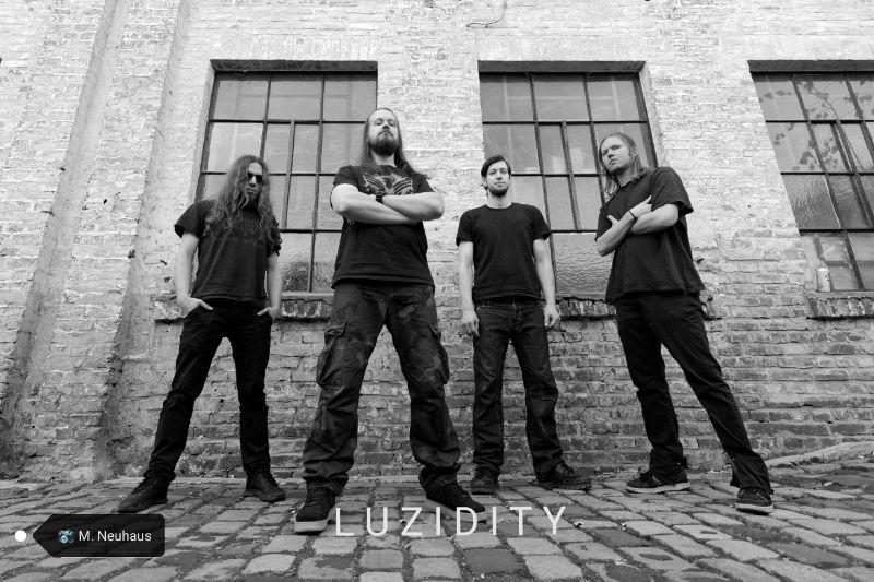 Luzidity Band