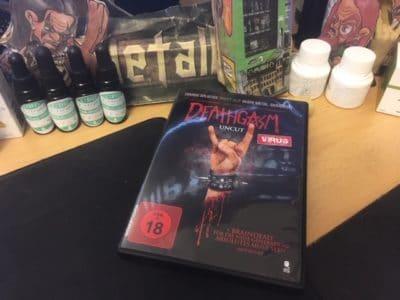 Die Heavy Metal Splatter Horror-Komödie Deathgasm