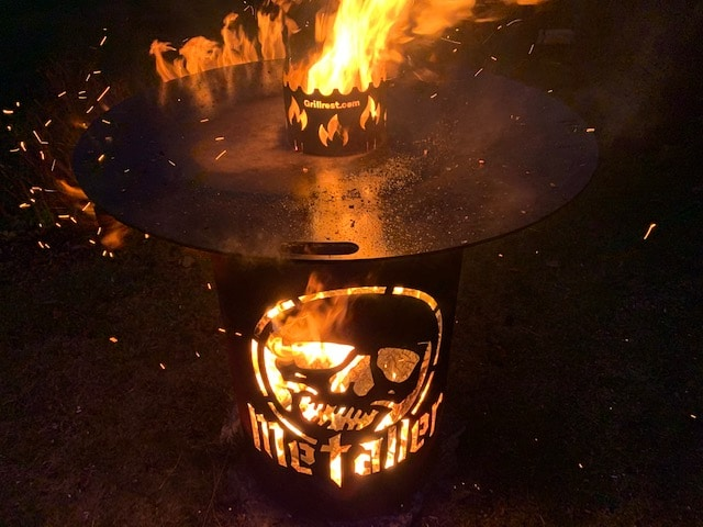 Grillrost.com Griltrend 2021 - Die Feuerplatte mit Feuerfass und Feuerbox