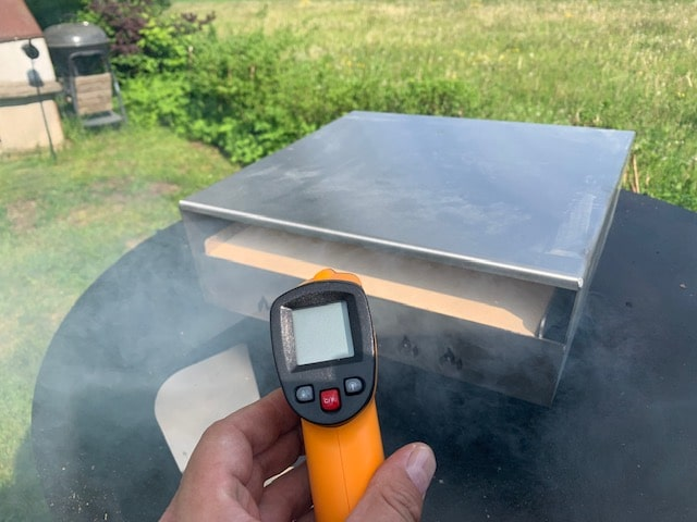 Pizzaufsatz (Pizzabox) für die Feuerplatte von Grillrost.com